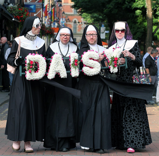 the manchester sisters with Sister Daisy wreath - our sister history